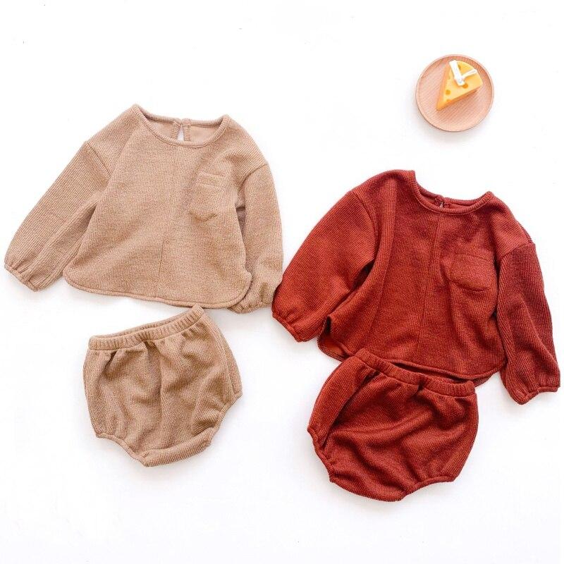 Комплект одежды для малышей из топа с длинным рукавом и шортов