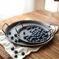 Европейский круглый металлический Ретро тарелка с ручками лоток для хранения кованого железа поднос подставки для домашнего декора
