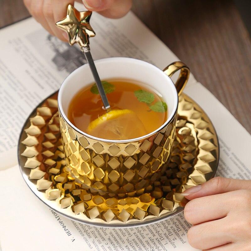 Taza de café europeo dorada de lujo con cuchara, tazas de café doradas y modernas para la oficina, tazas de té de la tarde, tazas de café y platillos Copa Menstrual de silicona de grado médico, copa Menstrual de silicona para mujer, copa de vagina con Coletor Menstrual 1 Uds.