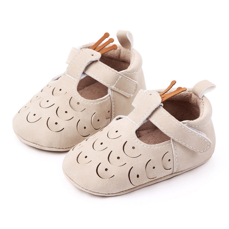 All Season Newborn Baby Girls Cotton Cloth Shoes Cute Solid Color Peacock Hollow Design Anti-Slip Soft Soled Princess Shoes