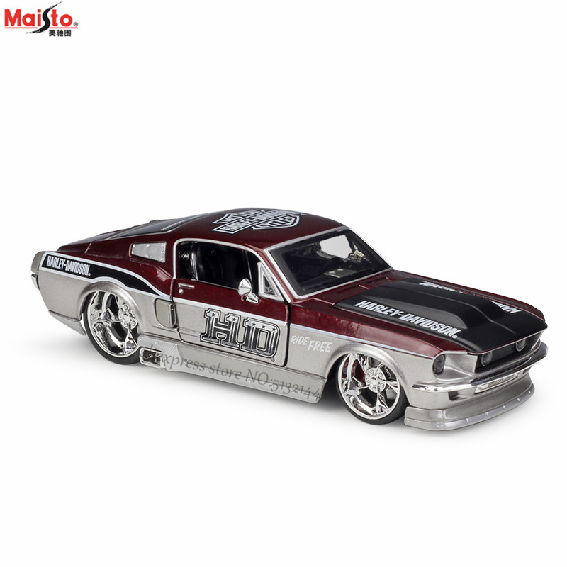Maisto <font><b>1:24</b></font> 1967 <font><b>Ford</b></font> <font><b>Mustang</b></font> GT alloy car model crafts decoration collection toy tools gift image