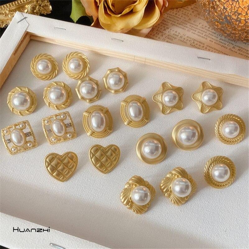 HUANZHI 2020 Новые квадратные круглые серьги-гвоздики в форме цветка в стиле барокко, винтажные жемчужные серьги-гвоздики для женщин и девочек, в...