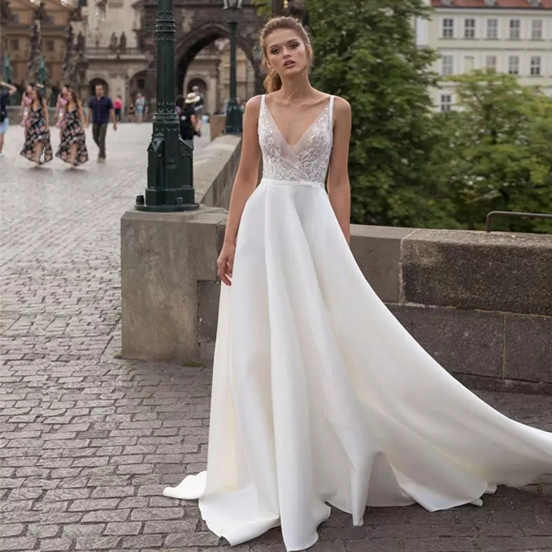 Backless 2019 Muslim Wedding Dresses A-line Deep V-neck Lace Boho Dubai Saudi Arabia Wedding Gown Bridal Vestido De Noiva