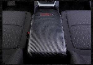 Image 3 - Super włókno węglowe lub czarny skórzany podłokietnik centralny samochodu pokrywa dla Toyota RAV4 RAV 4 XA50 2019 2020 akcesoria samochodowe