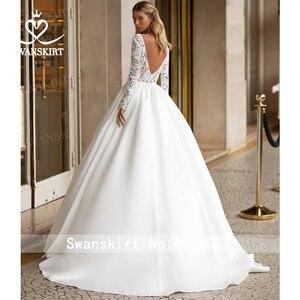 Image 2 - SWANSKIRT בציר תחרה חתונה שמלת 2020 צווארון V ארוך שרוול אונליין רכבת נסיכה מותאם אישית כלה שמלת Vestido דה novia I322