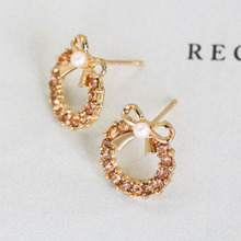 2019 Fashion Crystal Earrings For Women Rhinestones Pearl Stud Earring Bow Round Simulated Jewelry Christmas Gift WD608