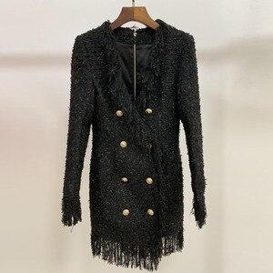 Image 5 - ハイストリート 2020 スタイリッシュなデザイナードレス女性の V ネックダブルブレストライオンボタン房ツイードドレス