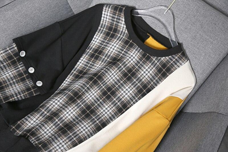 [EAM] Loose Fit Black Plaid Irregular Sweatshirt New Round Neck Long Sleeve Women Big Size Fashion Tide Spring Autumn 2020 1Y233 3