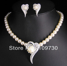 free shipping > Wedding Bridal pearl &crystal necklace earring set(China)