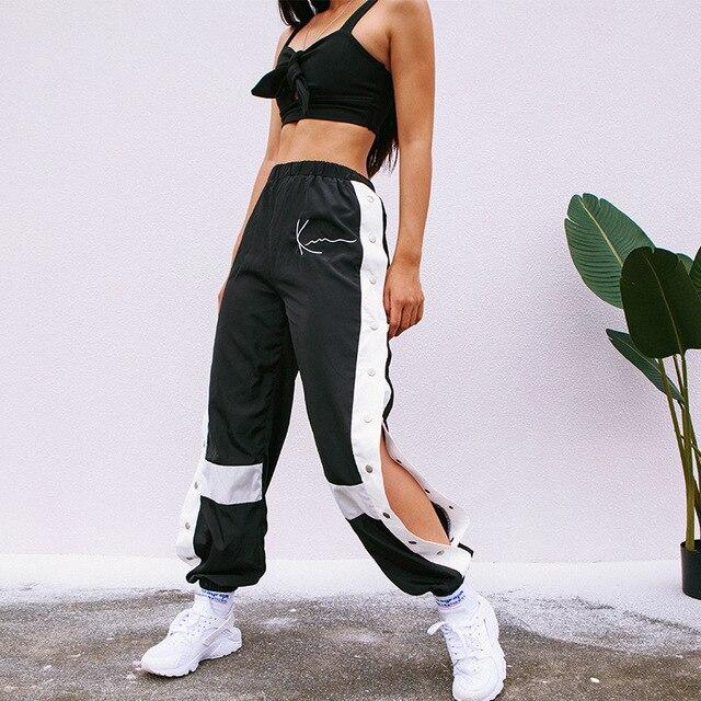 HOUZHOU רצים נשים מכנסיים אופנה טלאים מכנסי טרנינג הרמון מזדמן צד פיצול כפתור Panelled גבוה מותניים מכנסיים Streetwear
