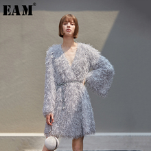 [EAM] Women Gray Tassel Belt Temperament Dress New V Neck Long Sleeve Loose Fit Fashion Tide All match Spring Autumn 2020 1B158