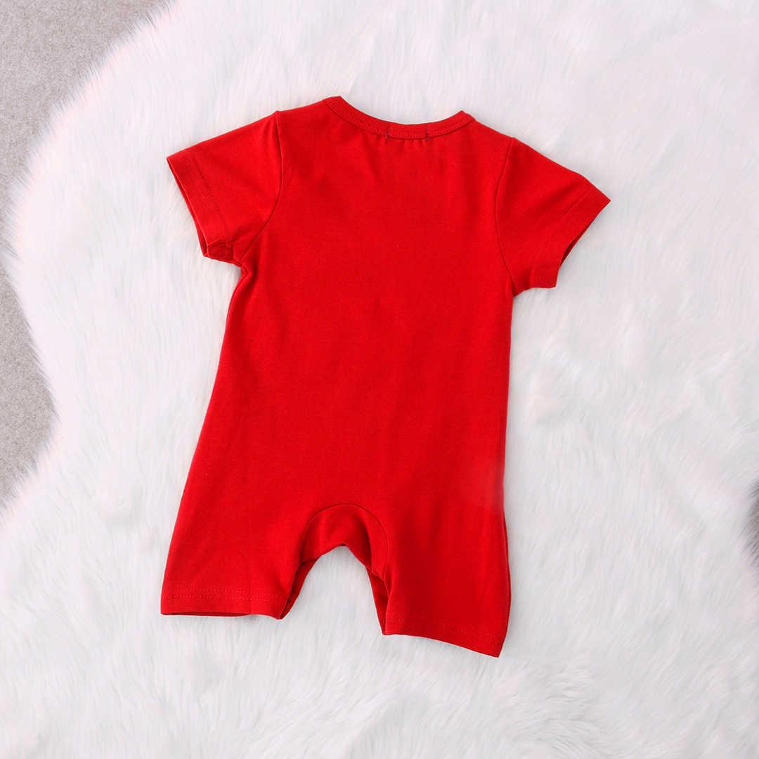 Одежда для новорожденных с изображением ярких персонажей; красный комбинезон для маленьких мальчиков и девочек; летний цельный комбинезон с короткими рукавами и героями мультфильмов