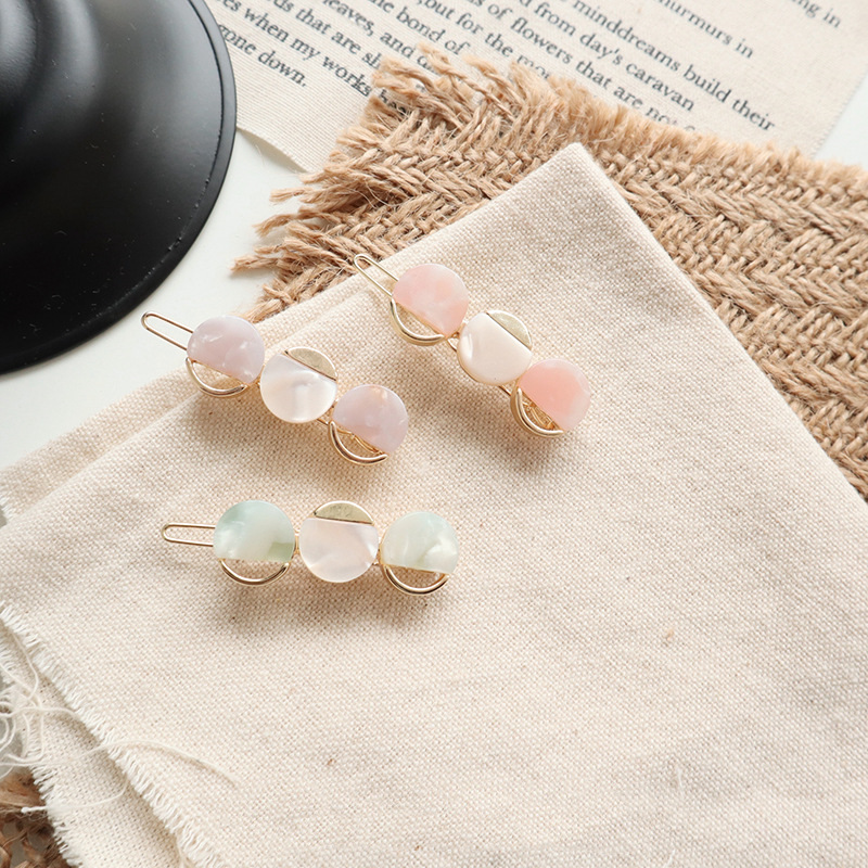 Fashion 3 Hearts Pattern Hair Pins Korean Acrylic Women Barrettes Hair Clip Hairgrips Hair Accessories Girls Accessories in Hair Jewelry from Jewelry Accessories