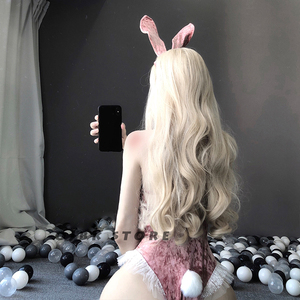 Image 4 - Disfraz de Cosplay de chica conejito para Halloween, mono Sexy de terciopelo rosa para mujer, lencería erótica kawaii para parejas