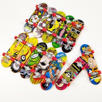 2021 nowy NO14078 Mini Finger Board Mini Fingerboard Alloy Skate Boarding Toys tanie i dobre opinie Z tworzywa sztucznego CN (pochodzenie) 25-36m 4-6y 7-12y 12 + y 9 5*2 5*1 5 Deskorolki na palce