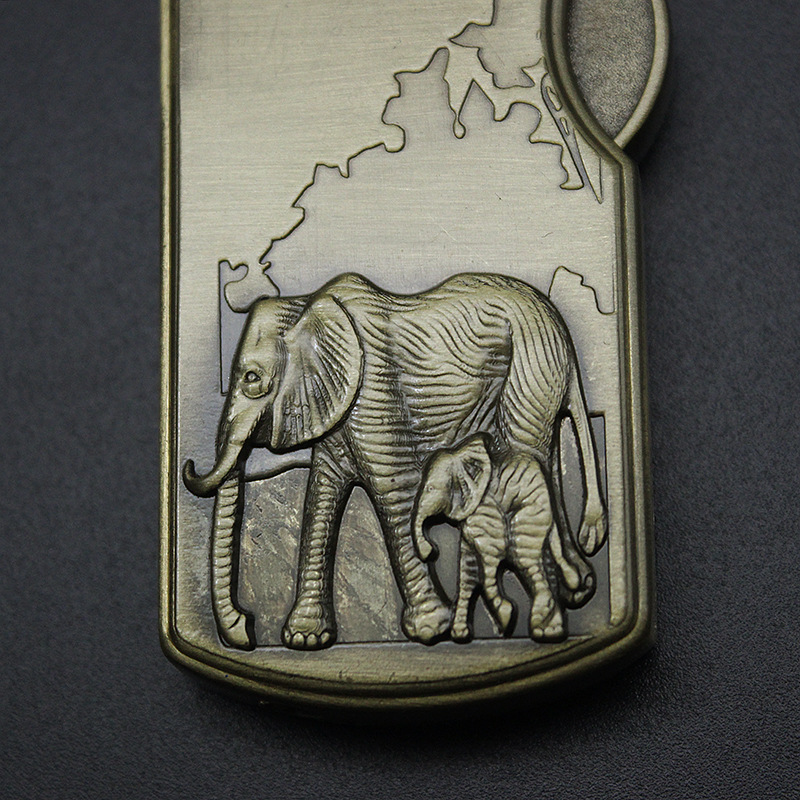 Купить винтаж бронзовый зажигалка с рельефным рисунком металлический