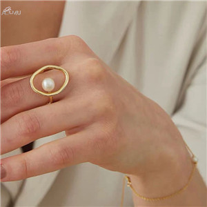AOMU-Fashion-Girl-Gift-Metal-Ring-For-Women-Jewelry-Geometric-Round-Ring-Street-Shoot-Accessories-Imitation