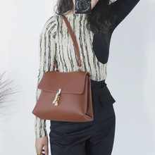2020 ladies new PU leather solid color simple soft surface shoulder bag ladies shoulder lock large capacity pu tote bag twist lock detail pu shoulder bag