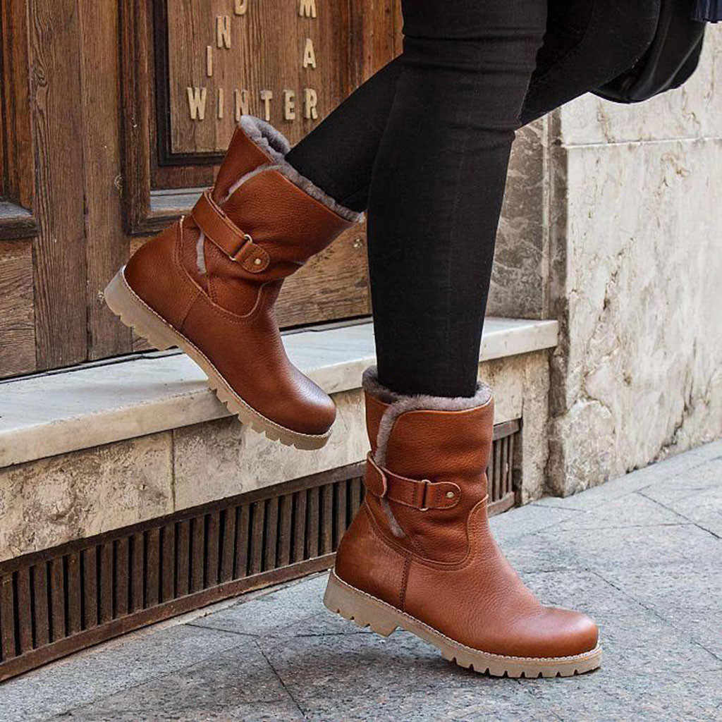 Moda saf renk kış çizmeler yuvarlak ayak Slip-On çizmeler kare topuklar toka askı Casual Vintage kadınlar peluş astarı kar botları