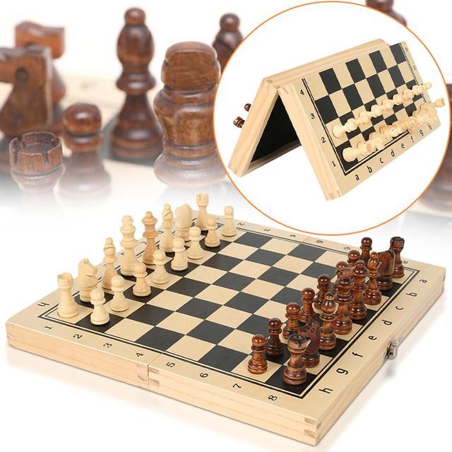 Grand d'échiquier pliant en bois avec set de pièces pour enfants 1