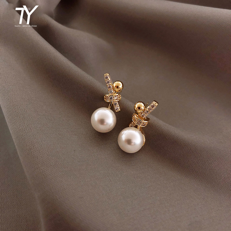 2020 new classic inlaid zircon knot Pearl Earrings Fashion Korean women jewelry lady temperament party Simple ladies Earrings