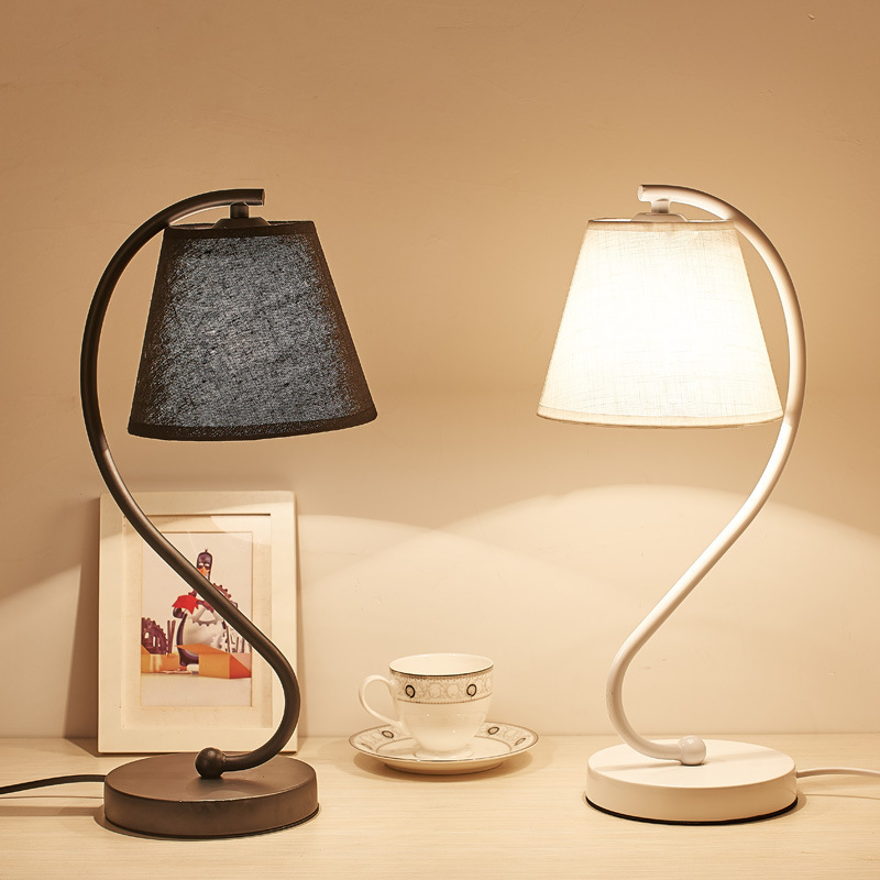 Concise Eyeshield Led Desk Lamp Bedroom Bedside To Work In An Office Originality Personality Arts Iron Cloth Cover Desk Lamp