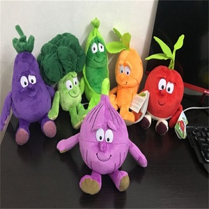 """Image 2 - Yeni meyve sebze muz armut Brcoccoli karpuz karnabahar havuç mantar yabanmersini çilek 9 """"yumuşak peluş bebek oyuncak"""