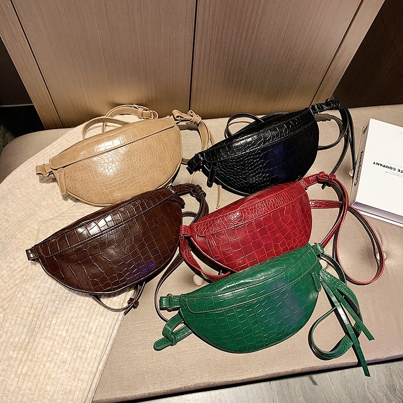 2019 Small Pocket Woman Exquisite Western Style Chest Package Fashion Chest Bag Woman Package Women Tide Ins Street