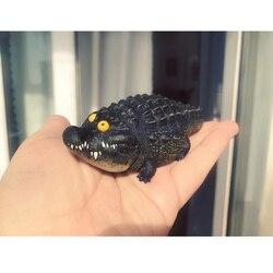 Auténtico cocodrilo de la creación de fantasía es gordo, la versión de resina no es el mismo tío Ma está jugando con juguetes hechos a mano