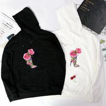 Женская винтажная толстовка с капюшоном белого цвета на высоком