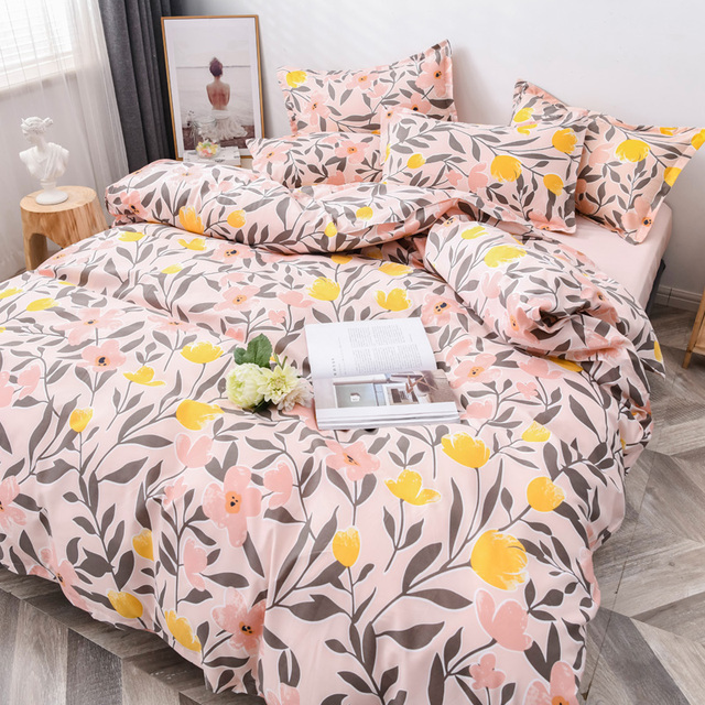 Classic Bedding Set Busy Pink Floral