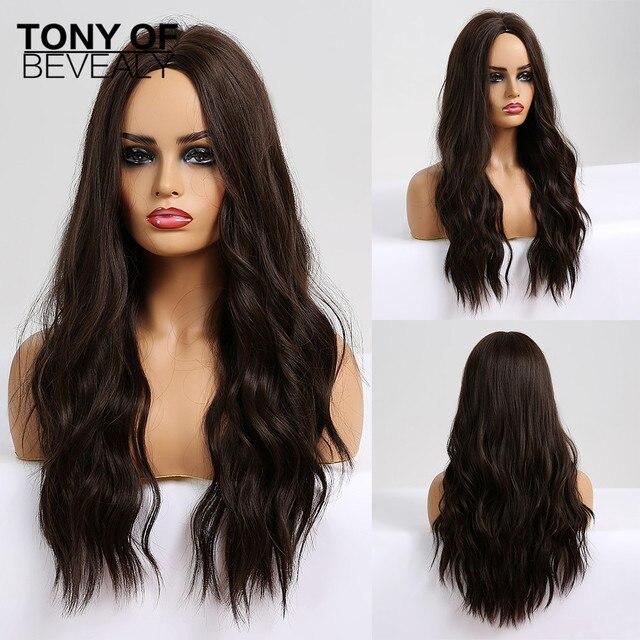 흑인 여성을위한 긴 물결 모양의 다크 브라운 합성 가발 중간 부분 코스프레 자연 헤어 가발 내열성 섬유 거짓 머리카락