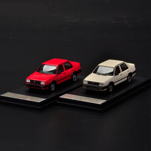 Jetta GT MK2 1/64 металлическая игрушка, четыре цвета, литье под давлением 1:64 модель автомобиля GT, автомобиль с Чехол, миниатюрная коллекция, подарк...