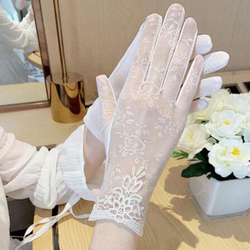 Short Ice Silk Breathable Riding Driving Sunscreen Gloves Female Sense Black Lace Sunshade Gloves 03K