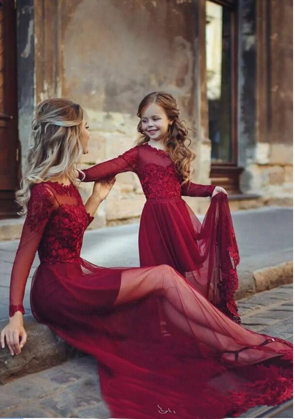 2020 Newest Burgundy Long Sleeves Mother And Daughter Dresses Lace Tulle Applique Floor Length Long Formal Prom Party Gown
