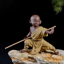 Small monk sculpture statue ceramic home decoration crafts Chinese style tea set sculpture Buddha statue best gift free delivery