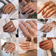 17KM artystyczne złote księżyc gwiazda zestaw pierścieni dla kobiet moda Metal Knuckle Finger Rings łańcuch w stylu Vintage pierścień 2021 minimalistyczna biżuteria tanie tanio CN (pochodzenie) Ze stopu cynku Kobiety Archiwalne Obrączki ślubne Piłka 6 5mm Zgodna ze wszystkimi Nawiązujące do okresu