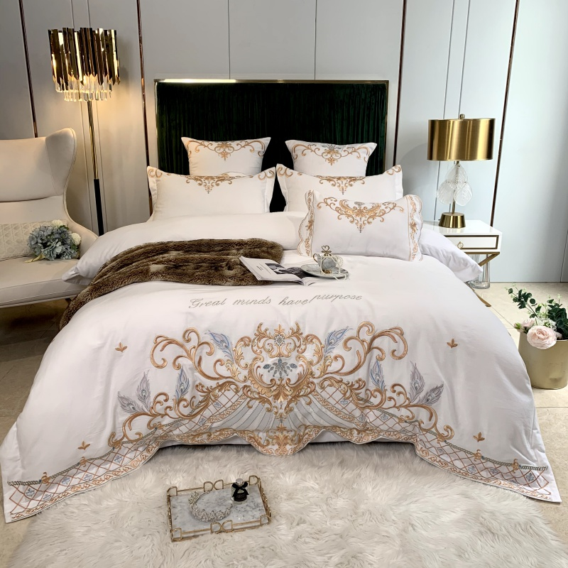 Luxury Europe 60S Sanding Satin Egyptian Cotton Gold Fine Embroidery Bedding Set Duvet Cover Bed Sheet