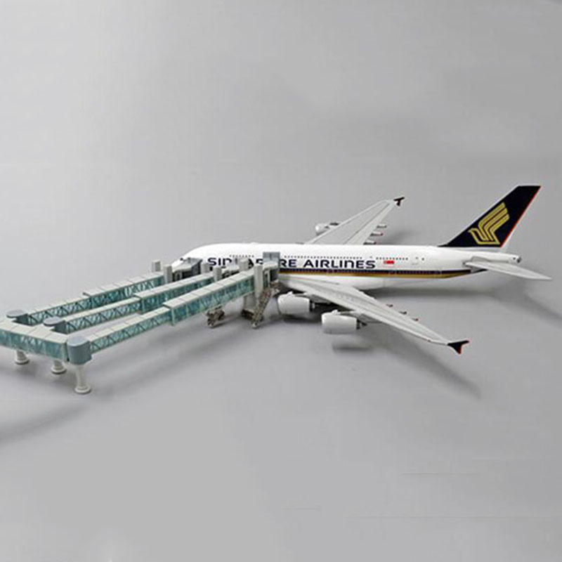 1:400 Scale Airport Passenger Boarding Bridge Single/Dual Channel & Airbus A380 Model Wide Body Aircraft Plane Scene Display Toy