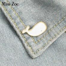 Pequena baleia esmalte pinos personalizado mini crachá para jeans jeans lapela pinos dos desenhos animados simples branco jóias presentes broches para crianças