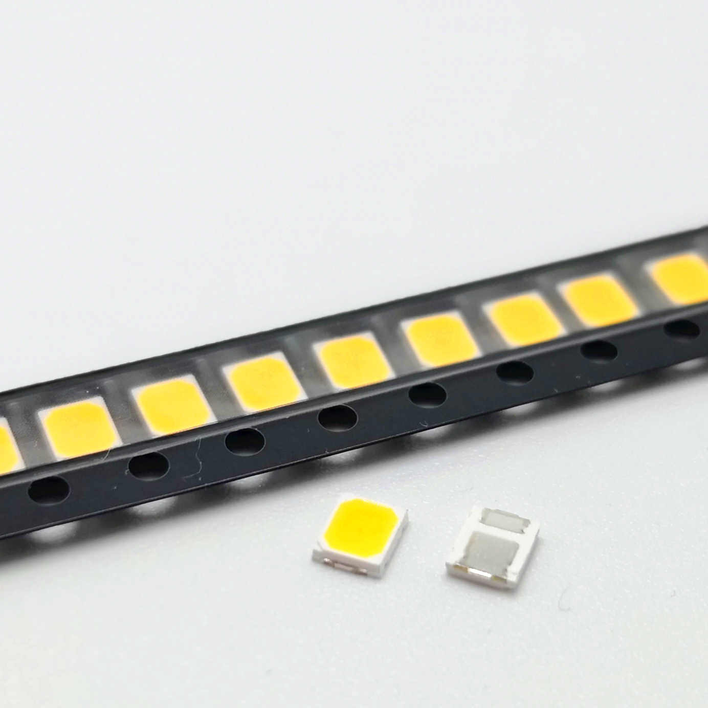 SMD led 2835 1W 0.5W عالية السطوع الأبيض 3V 6V 9V 18V 36V 350mA 150MA 100MA 30MA 60MA 50MA 3000K-6000K عدسة ليد ثنائية