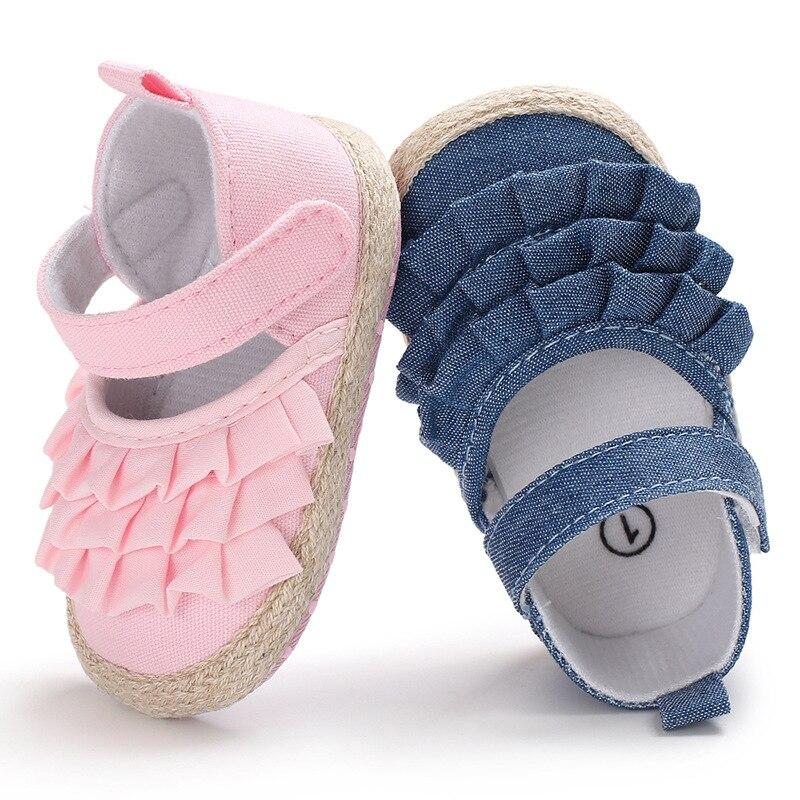 Летняя нескользящая обувь для новорожденных, мягкая подошва, пинетки с оборками, однотонная обувь для начинающих ходить детей
