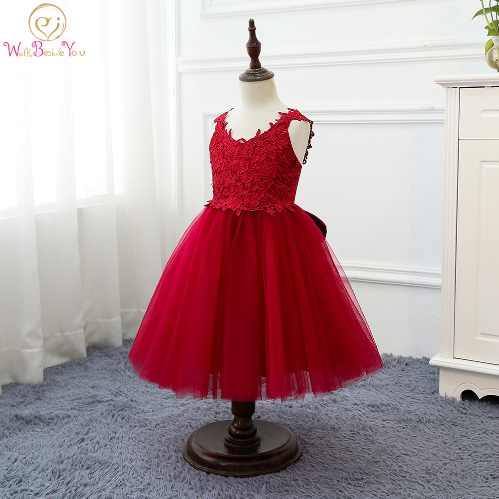 Walk Beside You Red Flower Girl Dresses for Wedding Ball Gown V Neck Lace Applique Tulle Sleeveless Party Baby Gown White Stock