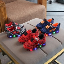 European fashion cartoon kids shoes cool cute LED lighted children sneakers Hook&Loop baby girls boys shoes footwear 2018 spring autumn new brand cartoon children sneakers sports running led lighted shoes kids cool cute boys girls shoes