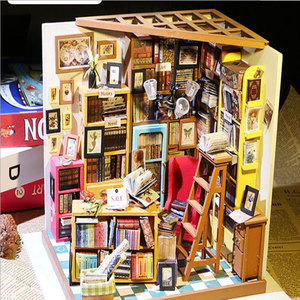DIY Doll House Sam Study Room