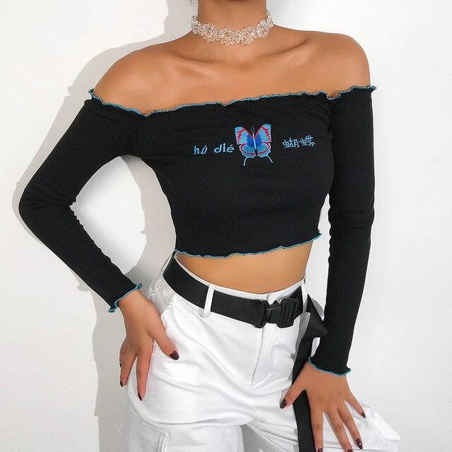 Фото женская футболка с вышивкой и длинным рукавом укороченный топ