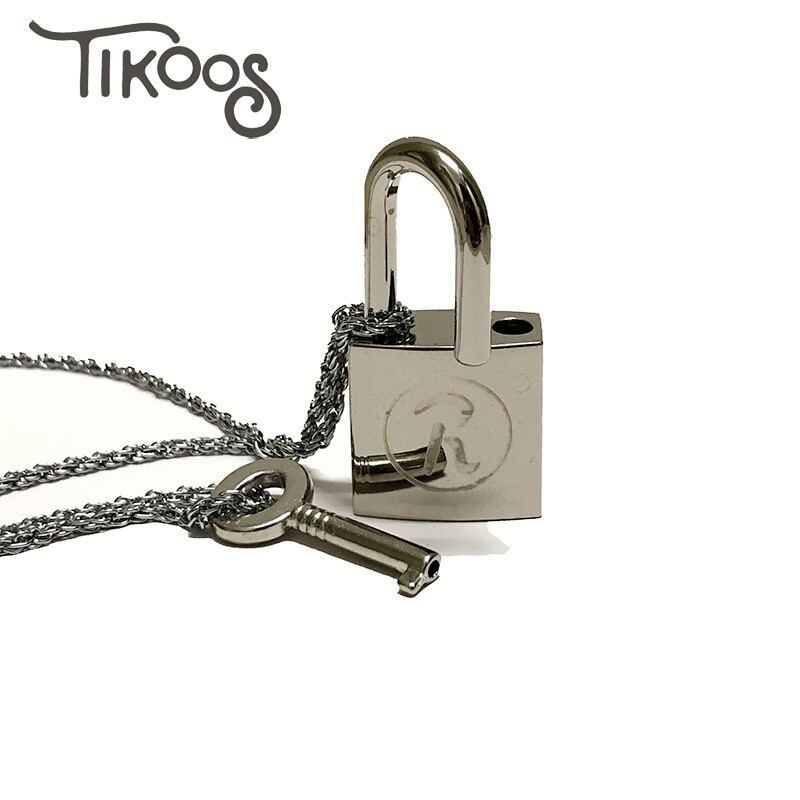 Conjunto de 2 unidades de llaves colgantes de metal para amantes Ai Yazawa NANA, accesorios de aleación para cosplay, collar de cadena