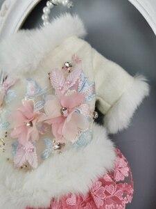 Image 3 - Ücretsiz kargo el yapımı köpek giysileri yün Pet Coat köpek elbise yapay tavşan kürk yaka kristal çiçekler kedi giysileri Yorkie