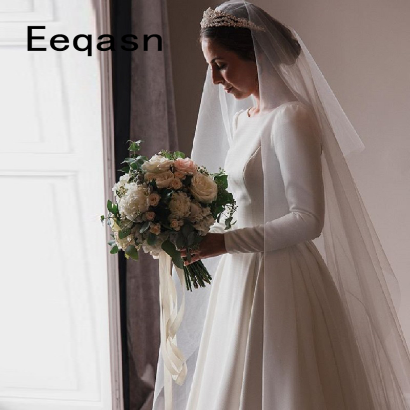 2020 New Simple White Wedding Dress Long Sleeve Women Court Train Back Open Wedding Gowns Buttons Custom Robe De Mariee