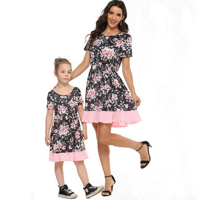 2020 Summer Family Matching Outfits Mother & daughter Matching Clothing 2-8T Floral Dress Mom Girls Family Clothes Outfits 6